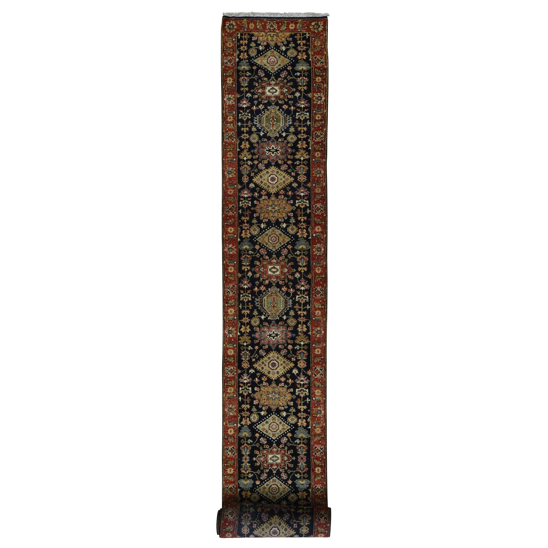 Serapi Heriz and Bakhshayesh Collection Hand Knotted Black Rug No: 0197954